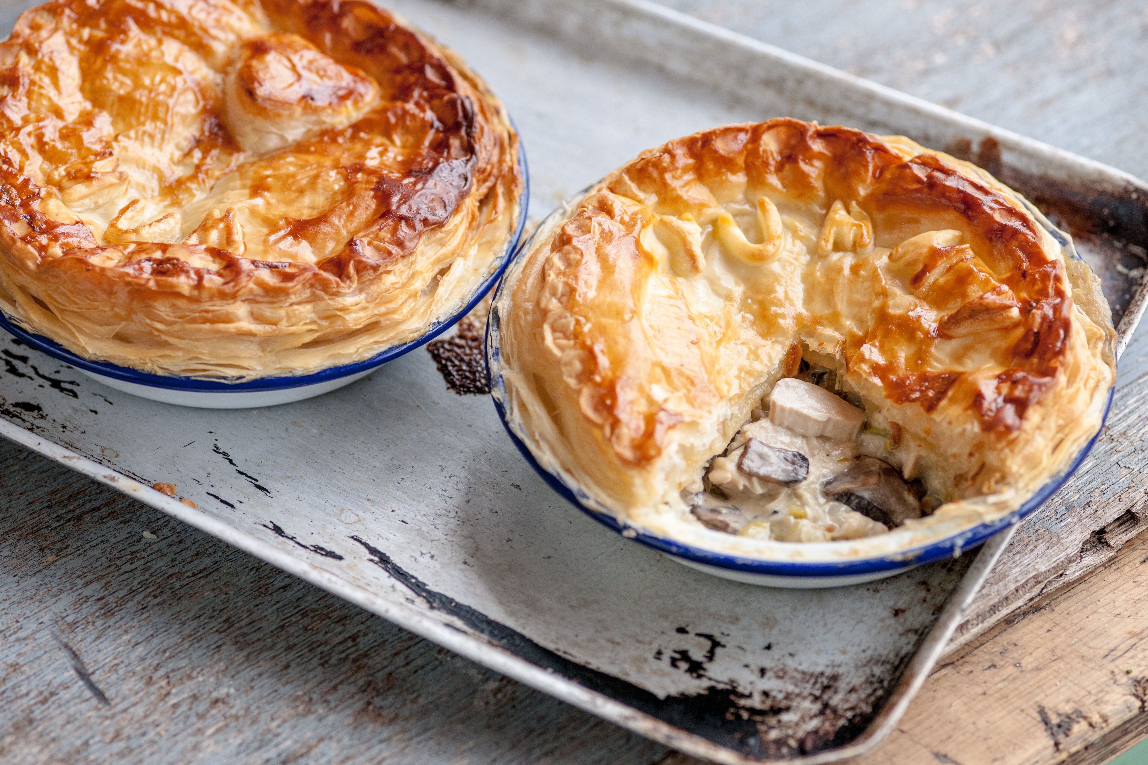 How to cook a pie with mushrooms and potatoes