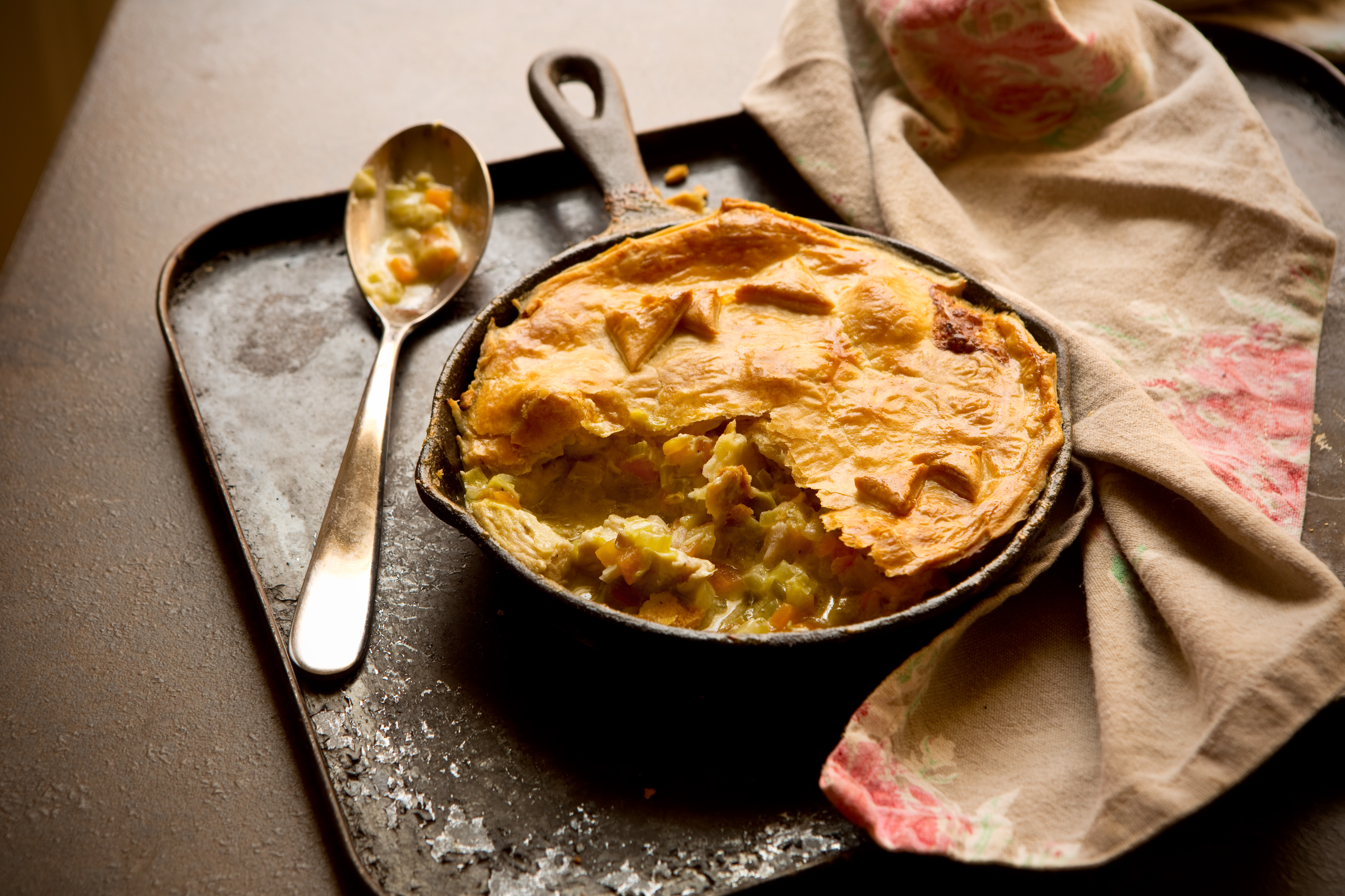 Chicken leek and mushroom pie recipe great british chefs forumfinder Image collections